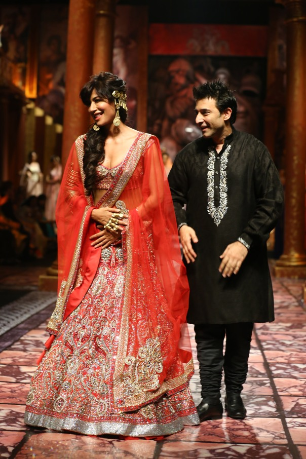 India Bridal Fashion Week Delhi 2013 - Chitrangada Singh as the showstopper for Suneet Varma's Collection