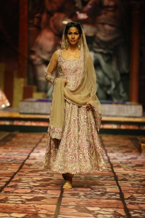 India Bridal Fashion Week Delhi 2013 - Model seen in  Suneet Varma's Collection_1