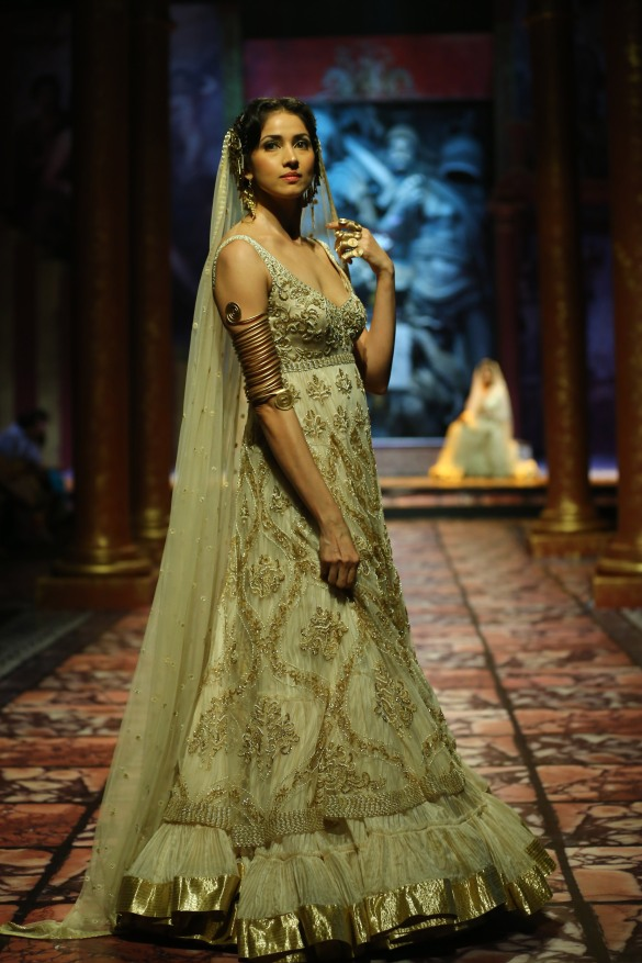 India Bridal Fashion Week Delhi 2013 - Model seen in  Suneet Varma's Collection_3