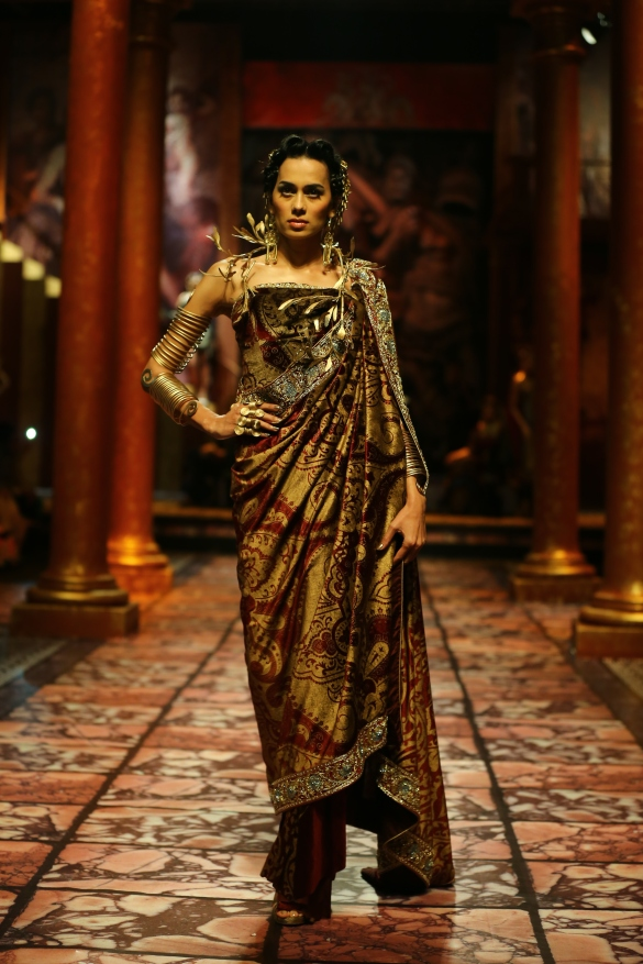India Bridal Fashion Week Delhi 2013 - Model seen in  Suneet Varma's Collection_4