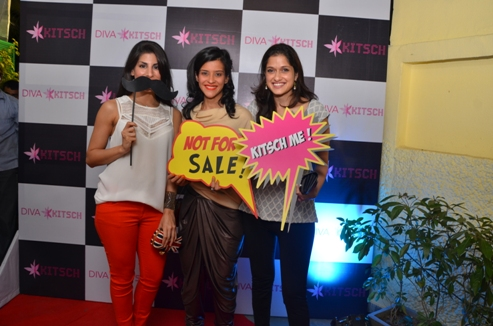 Reema and Vidushi Mehra with Charu Sachdev