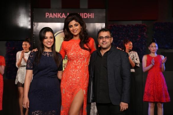 Seen at the Blenders Pride Fashion Tour, Gurgaon - Shilpa Shetty as the Showstopper for Pankaj & Nidhi 2