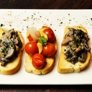 Moonshine Cafe & Bar – Duo Of Bruschettas